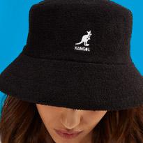 خلّيك كول على طول مع تشكيلة القبعات